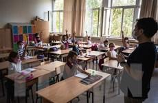 UNESCO: Cần đưa giáo viên vào diện ưu tiên tiêm vắcxin ngừa COVID-19