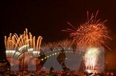 Hình ảnh người dân thế giới bắt đầu đón mừng Năm mới 2021