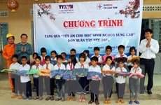 TTXVN mang Tết ấm cho học sinh nghèo vùng cao tỉnh Kon Tum