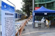 Trung Quốc sử dụng phương pháp lấy dịch hậu môn để xét nghiệm COVID-19