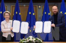 Anh kêu gọi 'cài đặt lại' quan hệ với EU và cải tiến thỏa thuận Brexit