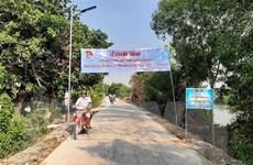 Long An: Thanh niên xung kích xây dựng 23km 'đoạn đường kiểu mẫu'