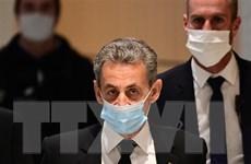 Cựu Tổng thống Pháp Sarkozy lĩnh án 3 năm tù giam vì tội tham nhũng