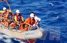Cấp cứu kịp thời 1 ngư dân bị bệnh nặng khi đang hành nghề trên biển