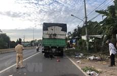 Bình Phước: Bất cẩn tông vào xe ben, nam thanh niên tử vong tại chỗ