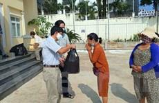 Cứu trợ người gốc Việt tại Preah Sihanouk nhân Tết Chol Chnnam Thmey