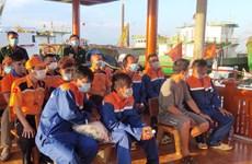 Cứu nạn kịp thời sáu ngư dân trên tàu cá bị chìm trên biển