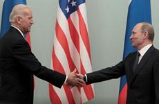 Tổng thống Mỹ đề xuất họp cấp cao với Tổng thống Nga tại nước thứ 3
