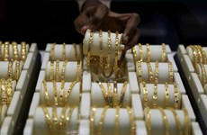 Giá vàng thế giới phiên 15/4 chạm mức cao nhất trong hơn 1 tháng