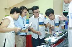 Đại học VinUni tổ chức khóa học về Robotics cho học sinh THPT