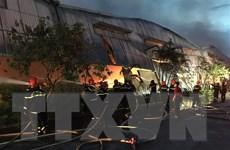 Thừa Thiên-Huế: Cháy lớn tại nhà kho của công ty dệt may