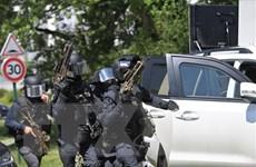 Vụ đâm dao tại Pháp: Nghi phạm bị cực đoan hóa trong thời gian ngồi tù