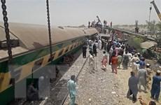 Vụ tai nạn đường sắt tại Pakistan: Số người thiệt mạng tiếp tục tăng