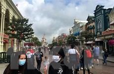 Pháp mở lại công viên Disneyland Paris sau 8 tháng đóng cửa