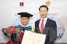 Chủ tịch Tập đoàn Zhang Yang nhận bằng tiến sỹ danh dự của ĐH Hà Nội