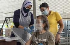 Malaysia đẩy mạnh chương trình tiêm chủng đại trà vaccine COVID-19