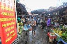 Hà Nội sẽ xử lý nghiêm việc găm hàng, thổi giá thực phẩm, rau quả