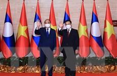 Chủ tịch nước Nguyễn Xuân Phúc dự Lễ trao tặng Nhà Quốc hội Lào