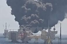 Số người chết trong vụ nổ giàn khoan dầu ngoài khơi Vịnh Mexico tăng