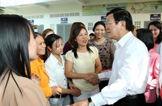 Chủ tịch nước chúc Tết công nhân xa nhà tại TP.HCM