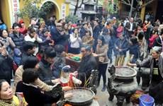 Rằm tháng Giêng, tấp nập người người đi chùa lễ Phật