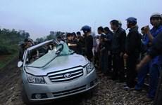 """Ôtô """"đối đầu"""" tàu hỏa, 2 công an tử vong tại chỗ"""