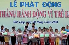 """Trao học bổng """"Thắp sáng những ước mơ"""" cho 1.000 trẻ nghèo"""