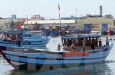 Tàu cá Việt Nam cứu thủy thủ Malaysia bị bỏ rơi trên biển