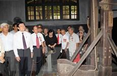 Chủ tịch nước Trương Tấn Sang gặp gỡ cựu tù chính trị Hỏa Lò