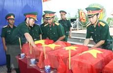 Đón nhận, an táng 24 hài cốt liệt sỹ Việt hy sinh ở Campuchia