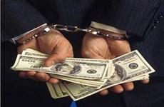TP.HCM: Bắt tạm giam 3 công chức hải quan nhận hối lộ