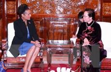 Phó Chủ tịch nước Nguyễn Thị Doan tiếp cựu Toàn quyền Canada