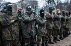 Lính tình nguyện Ukraine giận dữ đòi Tổng thống Poroshenko từ chức