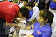 Hiến máu tình nguyện, khám chữa bệnh nhân đạo tạo dấu ấn
