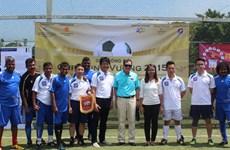 Người Việt tại Singapore tổ chức giải bóng đá Hùng Vương