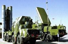 Nga và Iran ký hợp đồng cung cấp hệ thống tên lửa S-300