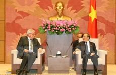 Chủ tịch Quốc hội Nguyễn Sinh Hùng tiếp Đoàn Nghị viện châu Âu