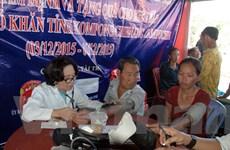 Tặng quà, khám chữa bệnh miễn phí cho Việt kiều Campuchia