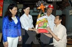 Chủ tịch nước ra quyết định tặng quà đối tượng có công nhân dịp Tết
