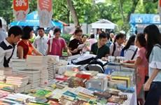 Nhiều đầu sách văn hóa tại Hội sách mùa Xuân 2016 ở Hà Nội