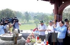 Thủ tướng dâng hương tưởng nhớ các Anh hùng Liệt sỹ ở Quảng Trị