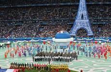Lễ khai mạc EURO 2016 diễn ra ngắn gọn và đầy ý nghĩa