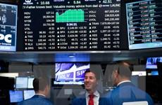 Giá cổ phiếu của Dow Jones và S&P 500 lại lập kỷ lục mới