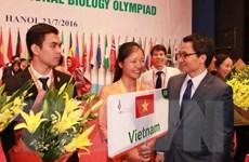 Trao 26 huy chương vàng cho thí sinh thi Olympic Sinh học