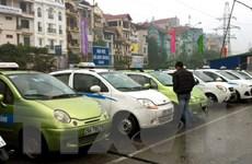 """Siết chặt việc cấp phép """"xe hợp đồng"""" lưu thông tại Thủ đô"""