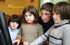 WHO kêu gọi kiềm chế tiếp thị thực phẩm trực tuyến cho trẻ em