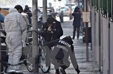 Italy: Nổ bên ngoài hiệu sách khiến một cảnh sát bị thương nặng