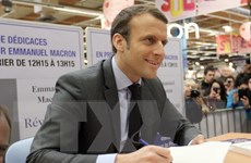 Bầu tổng thống Pháp: Dư luận tiếp tục ủng hộ ứng cử viên Macron
