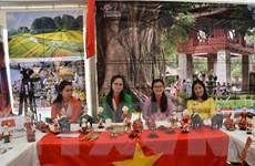 Đại diện của Việt Nam tham dự ngày hội Pháp ngữ tại Pháp