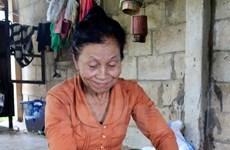 Chuyện về mẹ Lào chia sữa của con cứu bộ đội tình nguyện Việt Nam